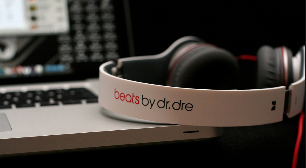 Apple set to acquire Dr Dre's Beats